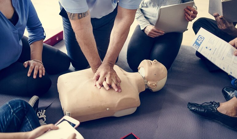 firstaid(1)